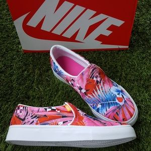 Nike Slip on sneakers